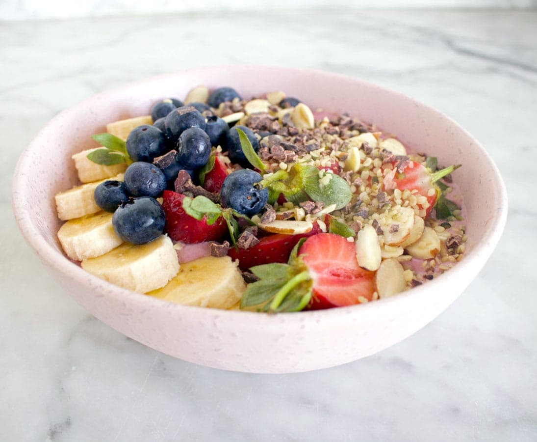 Raspberry smoothie bowl
